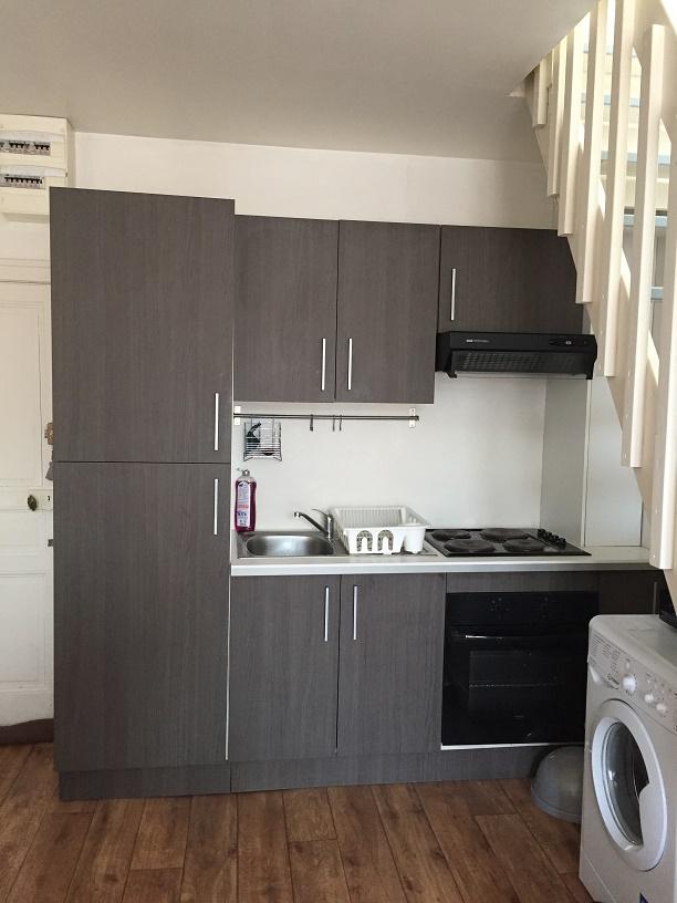 limoges hyper centre duplex meubl. Black Bedroom Furniture Sets. Home Design Ideas