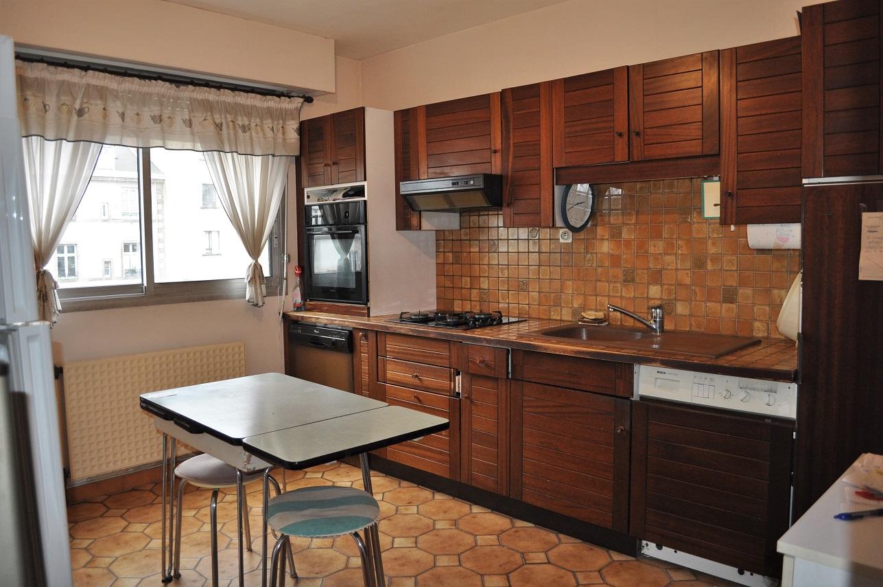 Limoges centre appartement 3chs et garage esthete agency for Garage limoges centre ville